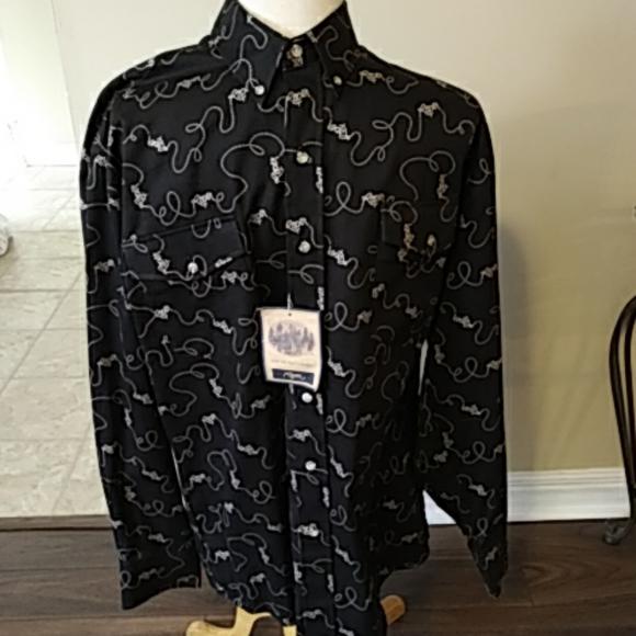 Roper mens western shirt NWT. L
